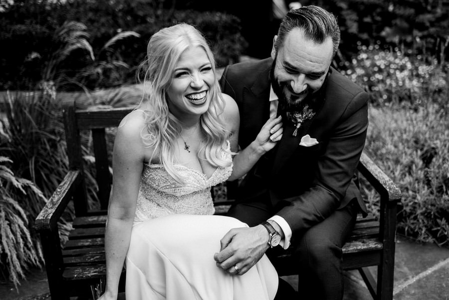 Ally & James's chic and modern museum-to-pub wedding, with Simon Biffen Photography (19)