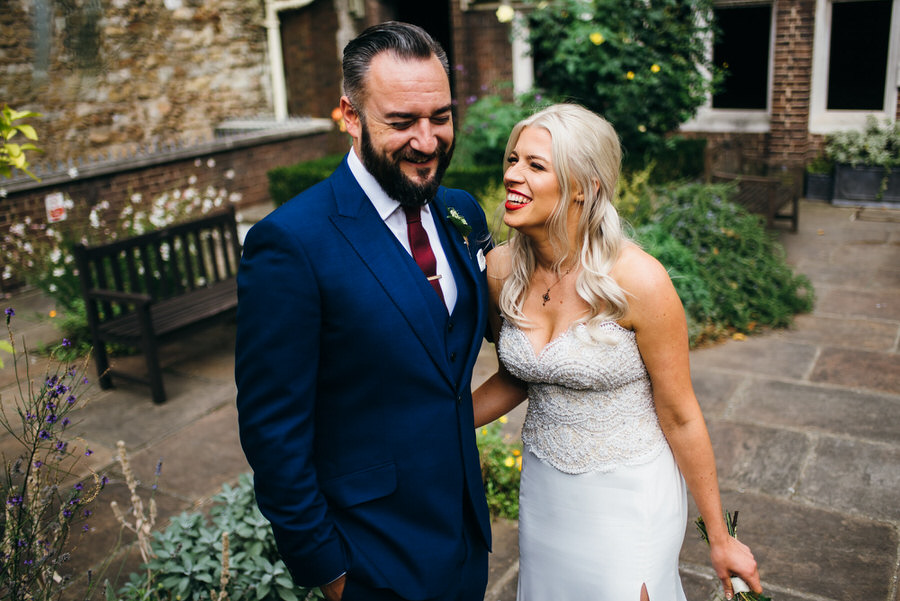 Ally & James's chic and modern museum-to-pub wedding, with Simon Biffen Photography (20)
