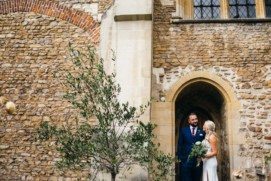 Ally & James's chic and modern museum-to-pub wedding, with Simon Biffen Photography (21)