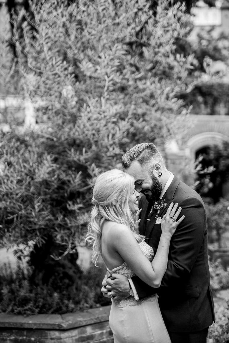 Ally & James's chic and modern museum-to-pub wedding, with Simon Biffen Photography (23)