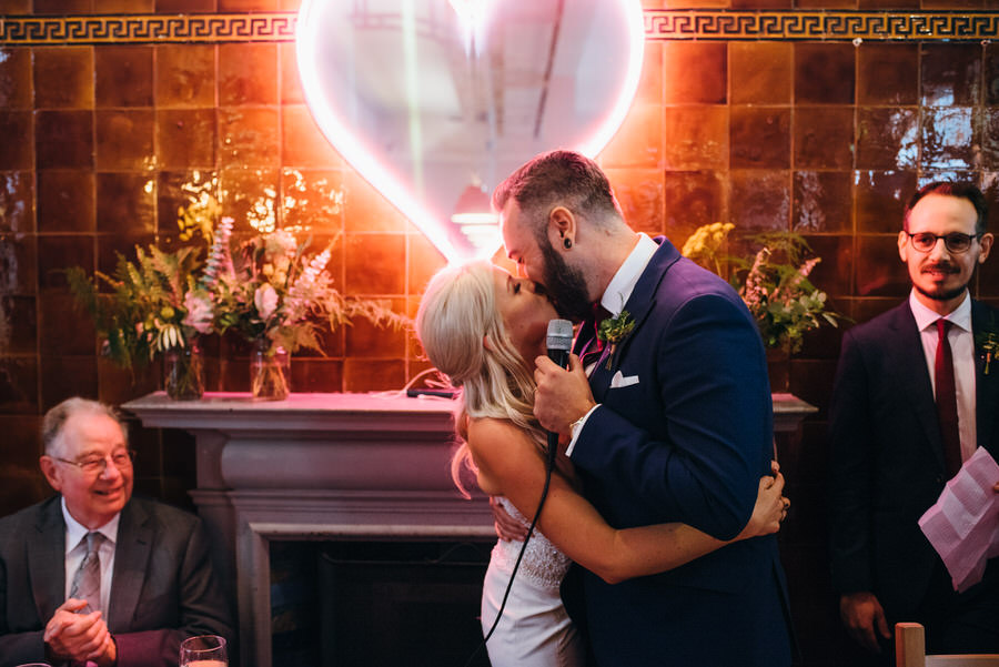 Ally & James's chic and modern museum-to-pub wedding, with Simon Biffen Photography (32)