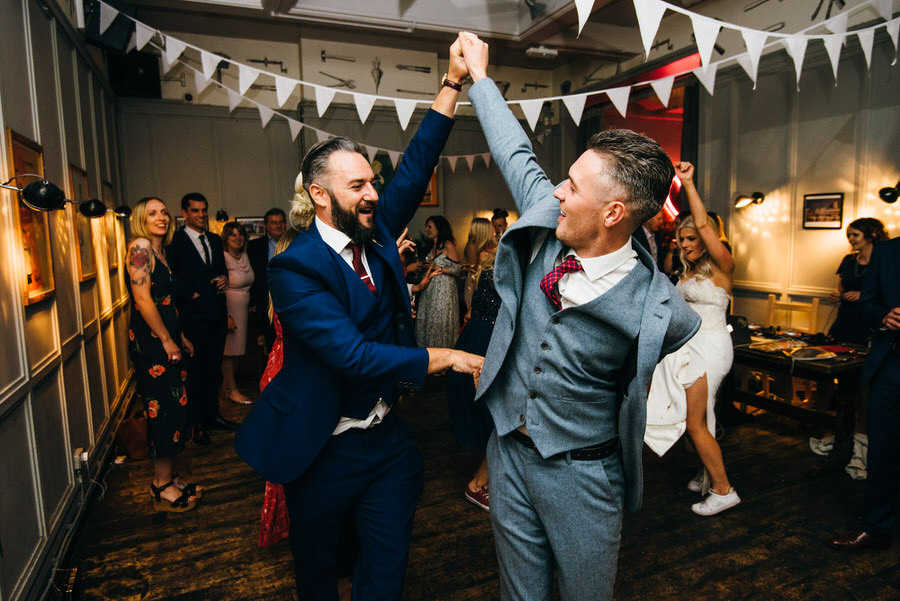 Ally & James's chic and modern museum-to-pub wedding, with Simon Biffen Photography (42)