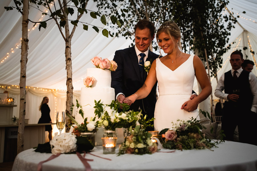 Lottie & Callum's timelessly beautiful wedding at Sopley Lake, with Robin Goodlad Photography (41)