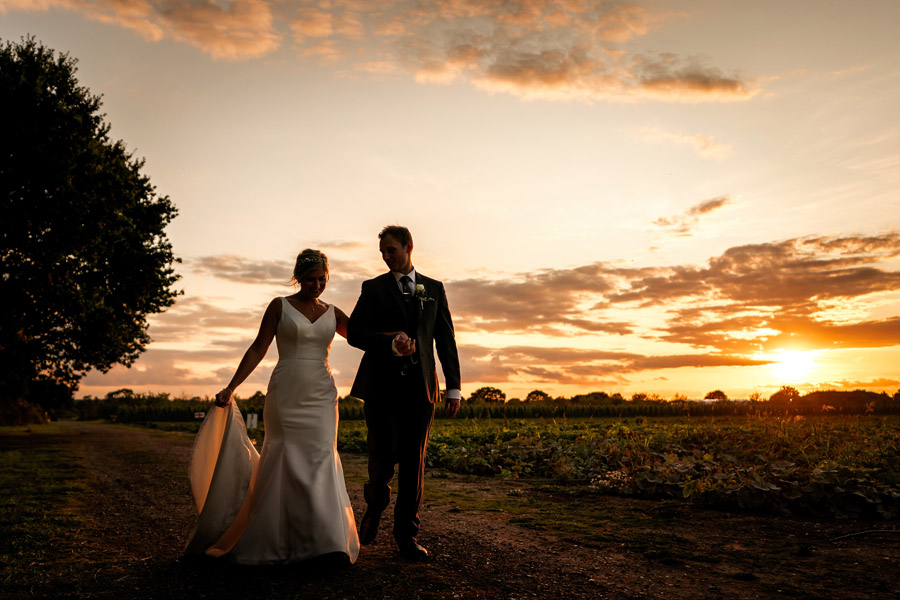 Lottie & Callum's timelessly beautiful wedding at Sopley Lake, with Robin Goodlad Photography (42)