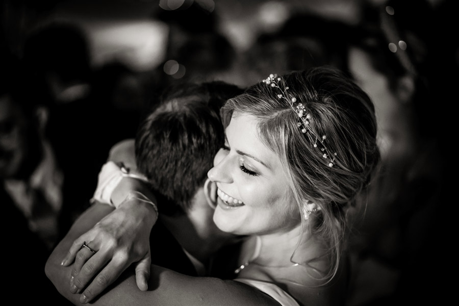 Lottie & Callum's timelessly beautiful wedding at Sopley Lake, with Robin Goodlad Photography (47)