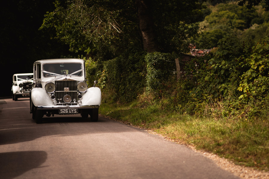 Lottie & Callum's timelessly beautiful wedding at Sopley Lake, with Robin Goodlad Photography (14)