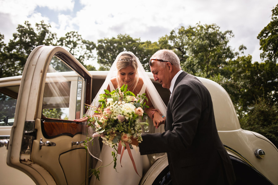 Lottie & Callum's timelessly beautiful wedding at Sopley Lake, with Robin Goodlad Photography (16)