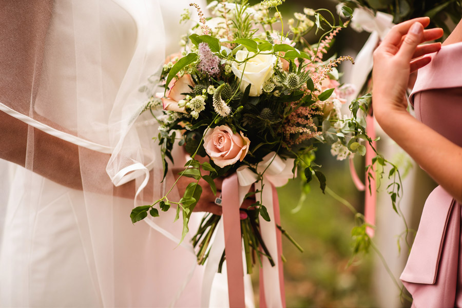 Lottie & Callum's timelessly beautiful wedding at Sopley Lake, with Robin Goodlad Photography (17)