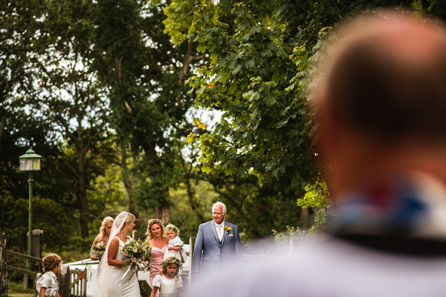 Lottie & Callum's timelessly beautiful wedding at Sopley Lake, with Robin Goodlad Photography (19)