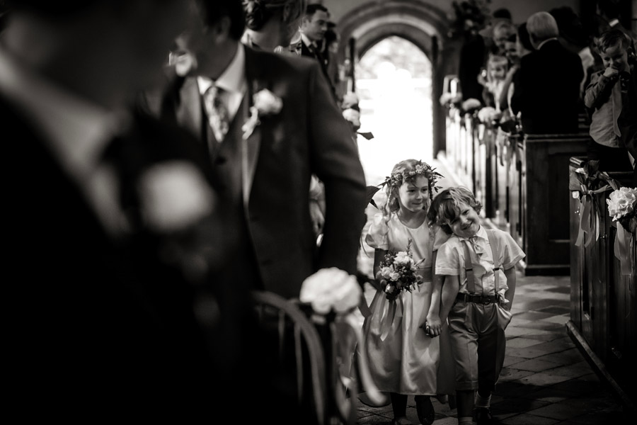 Lottie & Callum's timelessly beautiful wedding at Sopley Lake, with Robin Goodlad Photography (20)