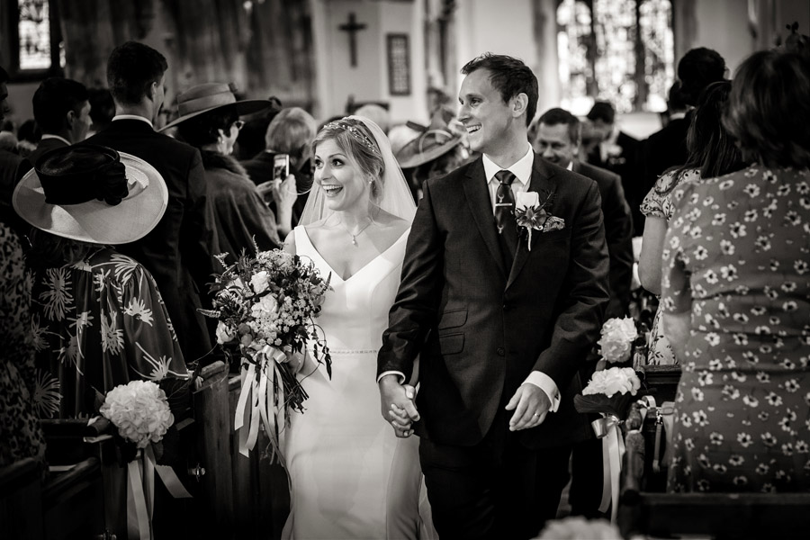 Lottie & Callum's timelessly beautiful wedding at Sopley Lake, with Robin Goodlad Photography (23)