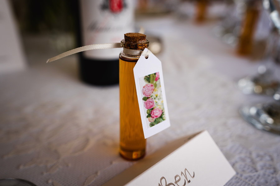 Lottie & Callum's timelessly beautiful wedding at Sopley Lake, with Robin Goodlad Photography (34)