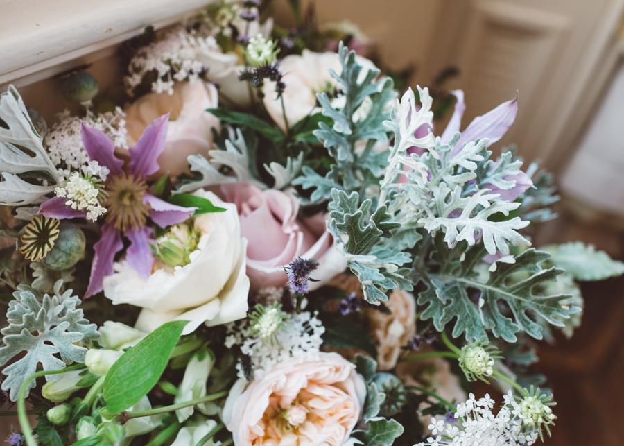 Sarah & Kevin's Mount Ephraim Gardens wedding with Hollie Carlin Photography (11)