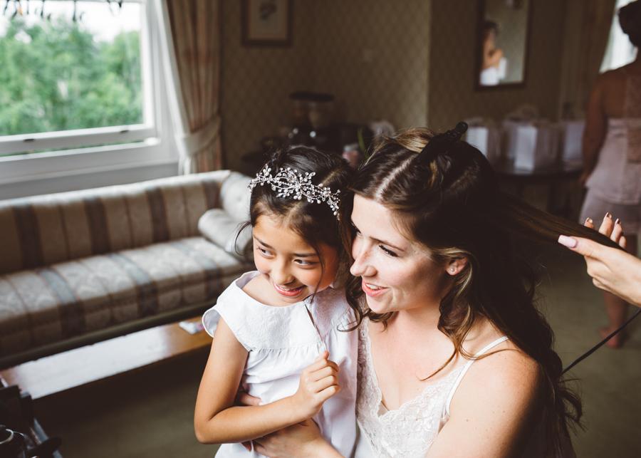 Sarah & Kevin's Mount Ephraim Gardens wedding with Hollie Carlin Photography (3)