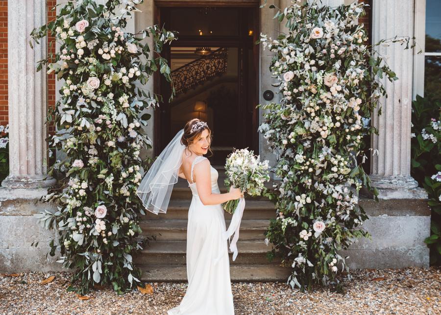 Sarah & Kevin's Mount Ephraim Gardens wedding with Hollie Carlin Photography (29)