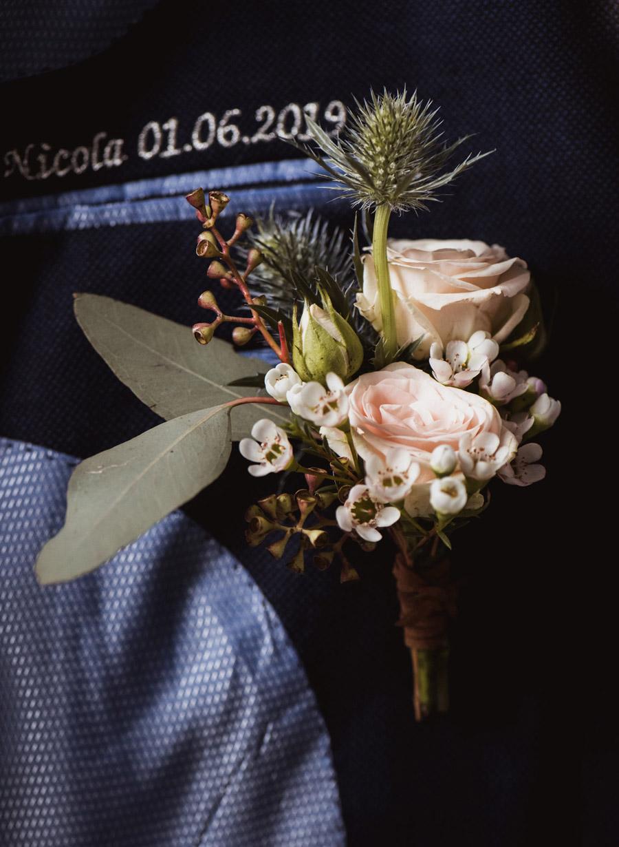 Nicola & Michael's beautiful barn wedding at Stockbridge Farm, with Robin Goodlad Photography (5)
