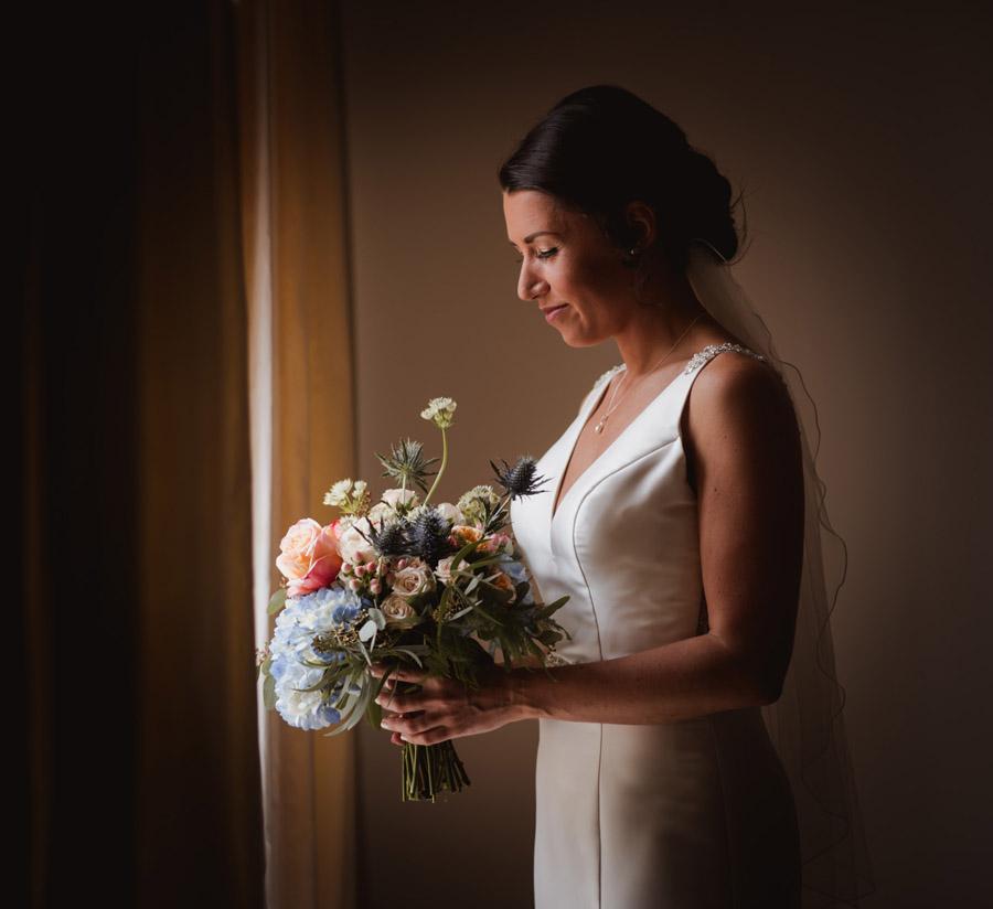 Nicola & Michael's beautiful barn wedding at Stockbridge Farm, with Robin Goodlad Photography (10)