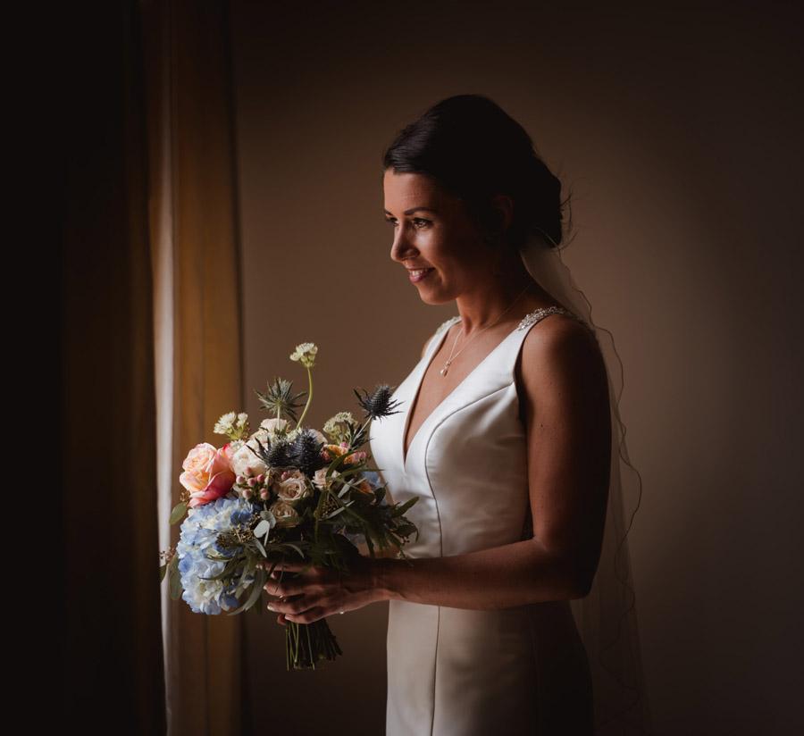 Nicola & Michael's beautiful barn wedding at Stockbridge Farm, with Robin Goodlad Photography (11)