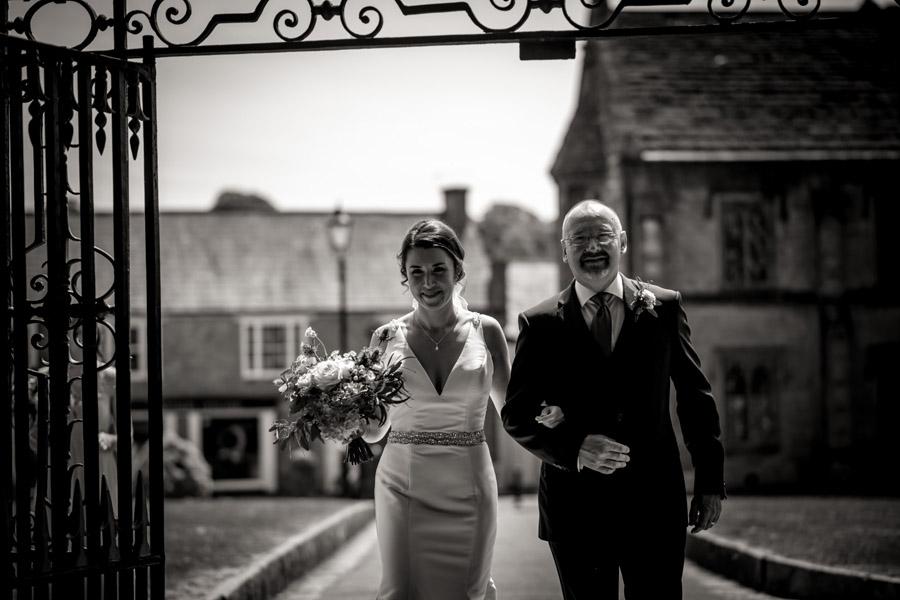 Nicola & Michael's beautiful barn wedding at Stockbridge Farm, with Robin Goodlad Photography (16)