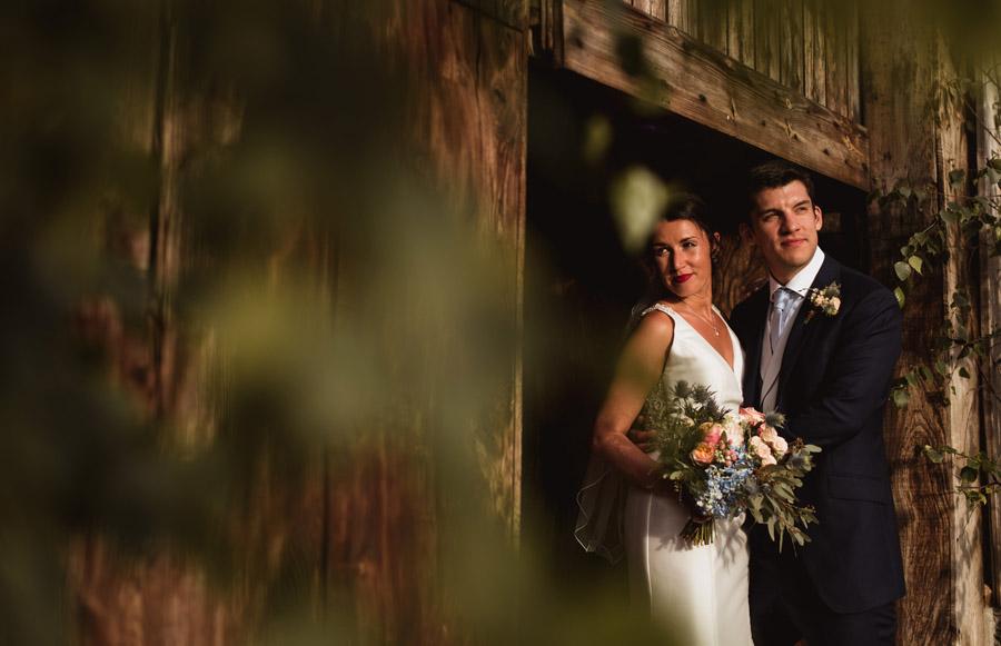 Nicola & Michael's beautiful barn wedding at Stockbridge Farm, with Robin Goodlad Photography (27)