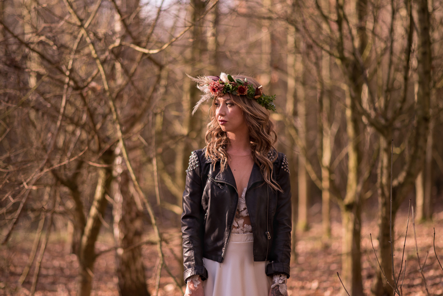 See you at Sunset - a warm autumnal wedding photoshoot with Nicola Belson Photography (9)