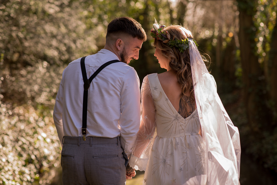 See you at Sunset - a warm autumnal wedding photoshoot with Nicola Belson Photography (3)
