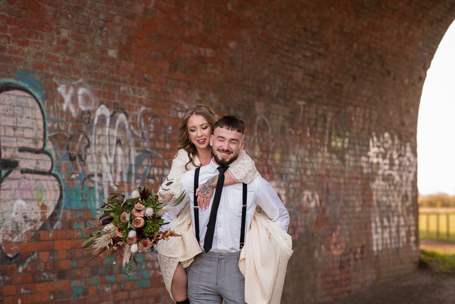 See you at Sunset - a warm autumnal wedding photoshoot with Nicola Belson Photography (42)