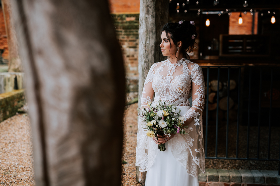 Country Elegance Styled Shoot: The Tudor Barn Belstead (14)