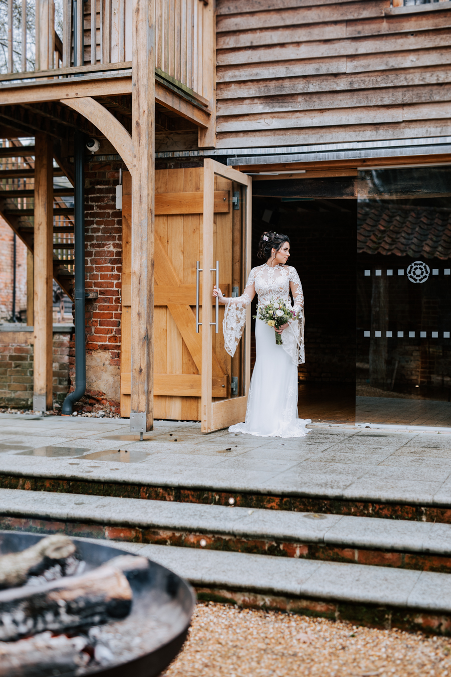 Country Elegance Styled Shoot: The Tudor Barn Belstead (15)