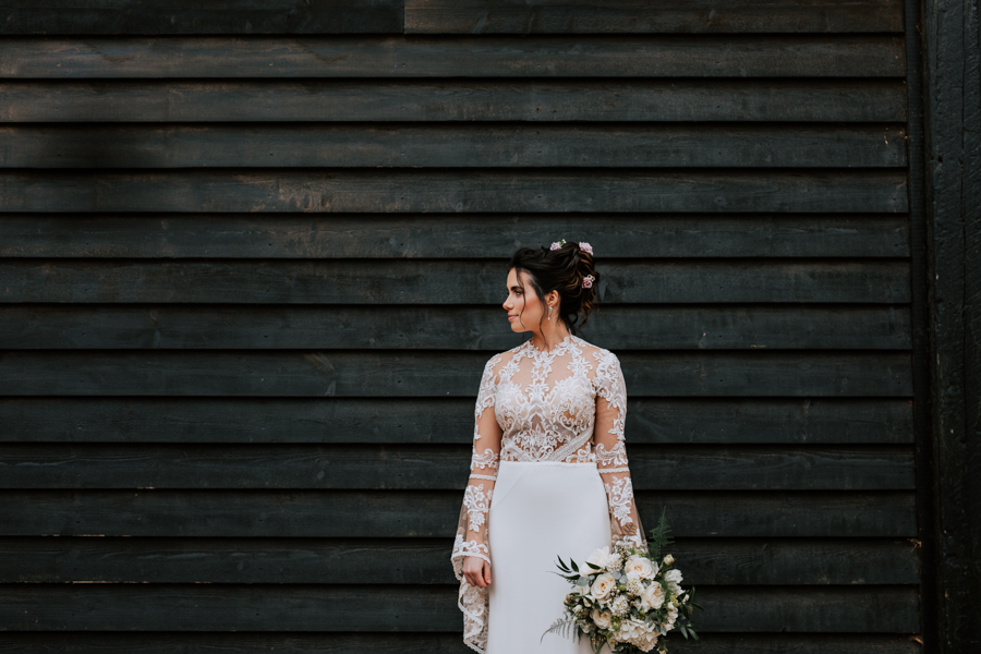 Country Elegance Styled Shoot: The Tudor Barn Belstead (21)