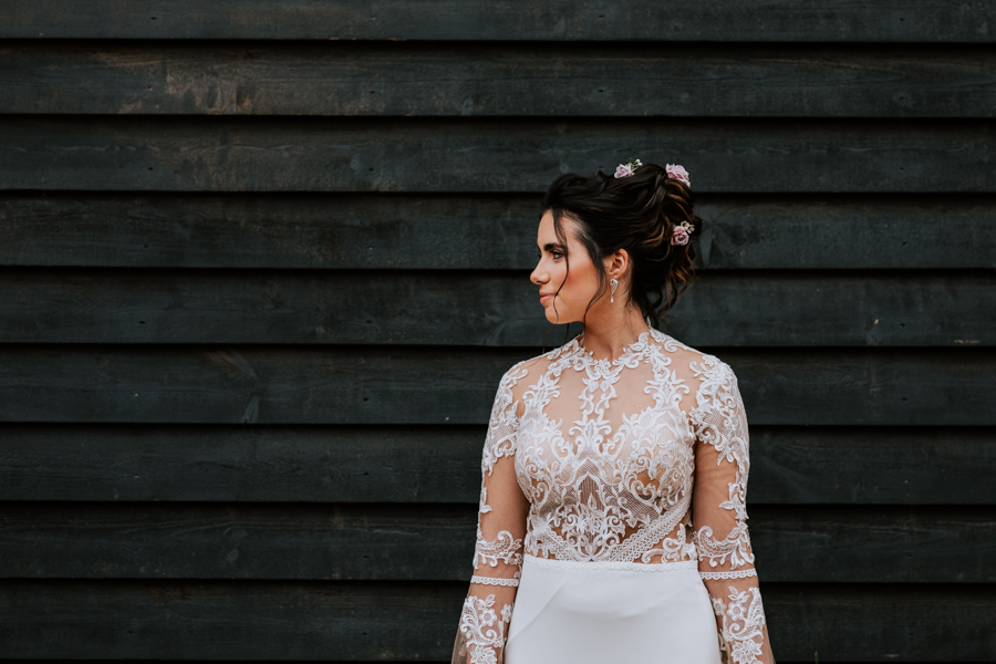 Country Elegance Styled Shoot: The Tudor Barn Belstead (22)
