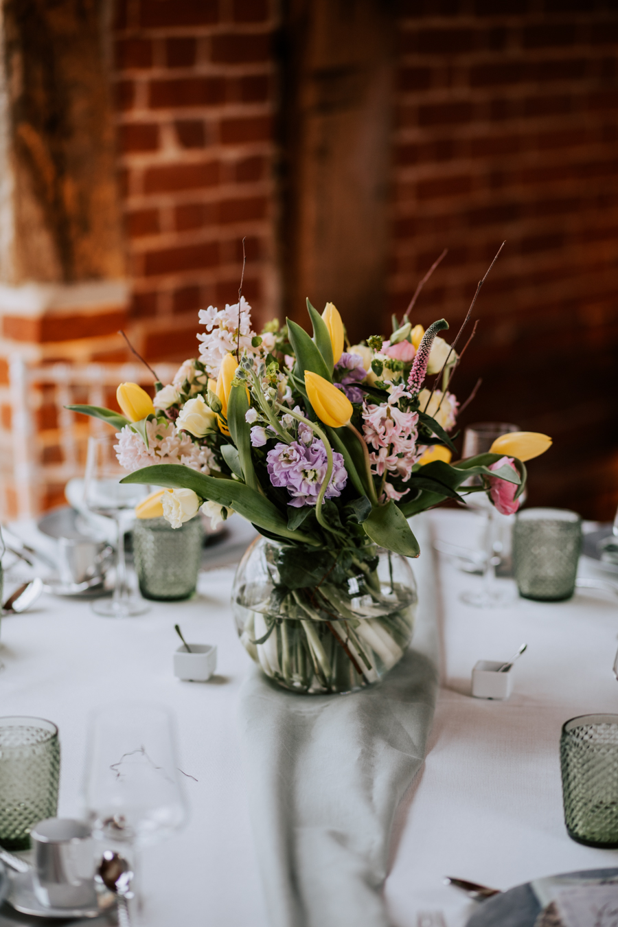 Country Elegance Styled Shoot: The Tudor Barn Belstead (1)