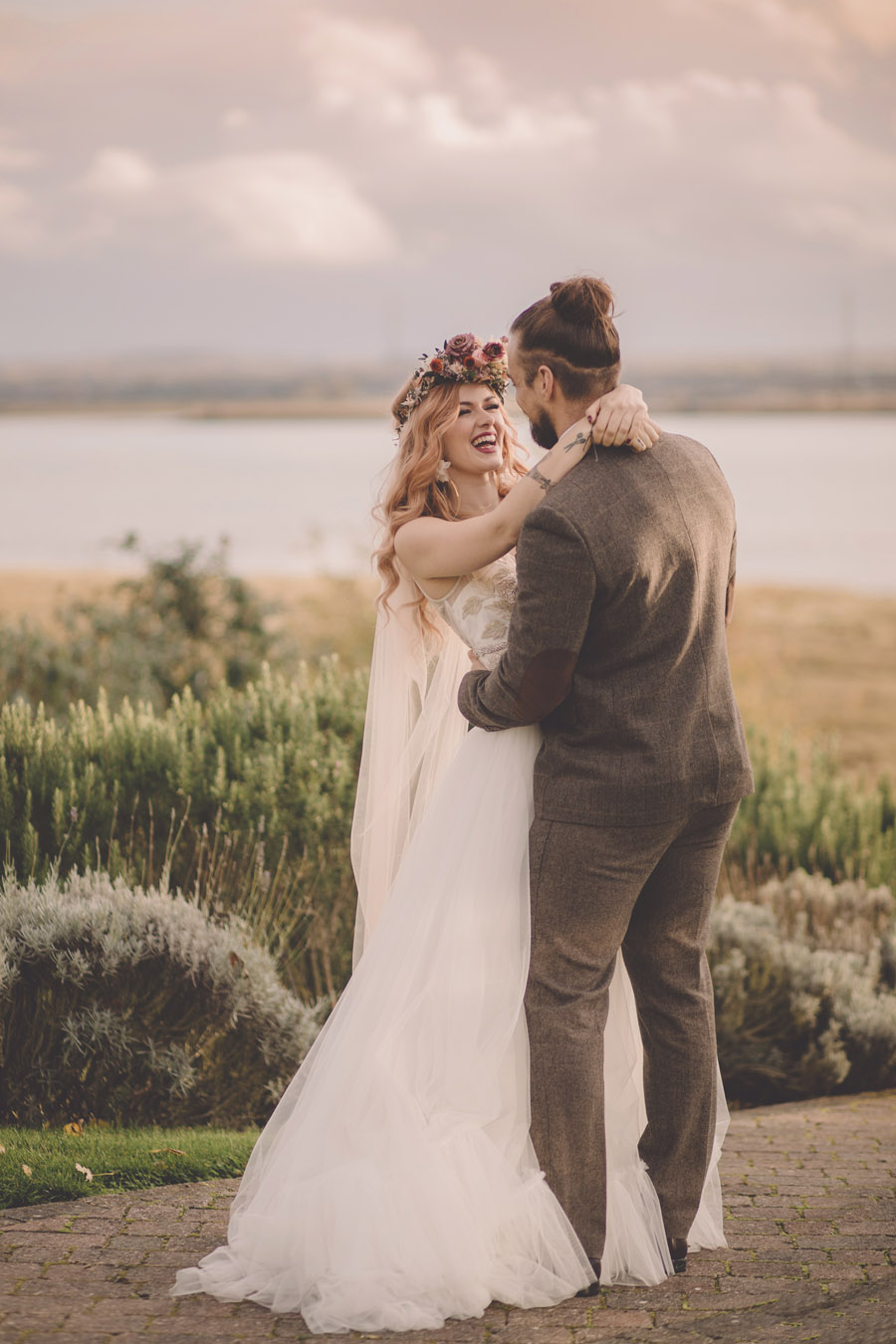 We Found Love! Natural, modern wedding inspiration from The Ferry House with images by Kerry Ann Duffy (14)