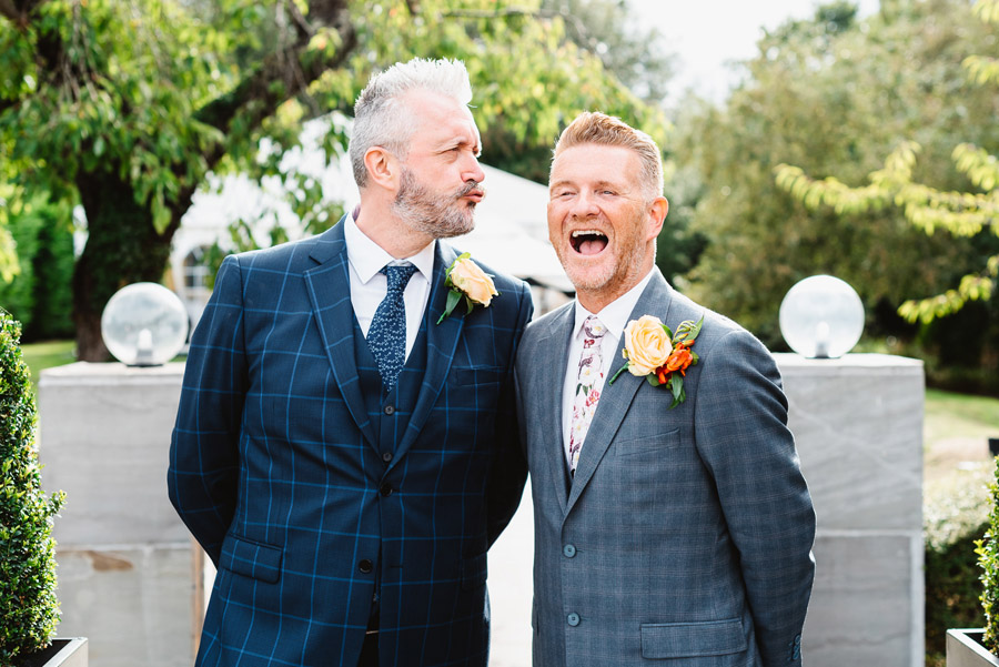 Group photos made easy, wedding photography tips for brides and grooms with Fiona Kelly Photography (2)