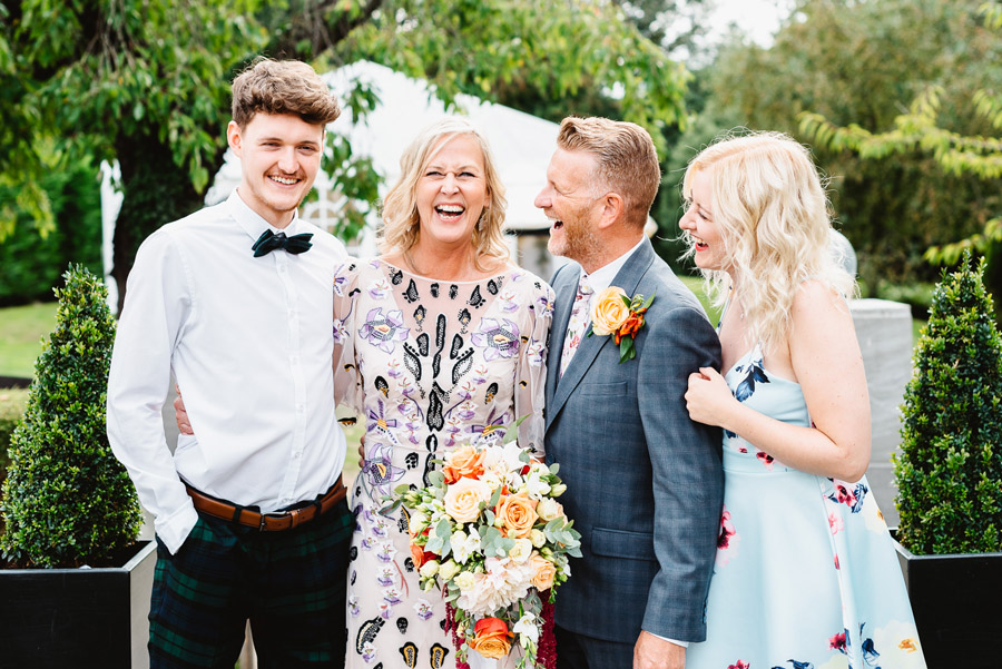 Group photos made easy, wedding photography tips for brides and grooms with Fiona Kelly Photography (3)