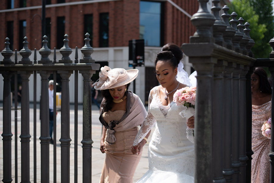 Chantel & Andrew's chic, modern and timeless wedding at Devonshire Terrace, with Carla Thomas Photography (16)