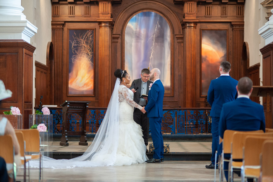 Chantel & Andrew's chic, modern and timeless wedding at Devonshire Terrace, with Carla Thomas Photography (17)
