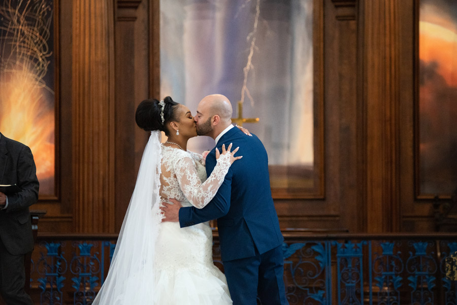 Chantel & Andrew's chic, modern and timeless wedding at Devonshire Terrace, with Carla Thomas Photography (18)