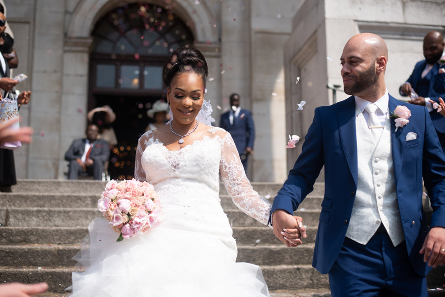 Chantel & Andrew's chic, modern and timeless wedding at Devonshire Terrace, with Carla Thomas Photography (20)