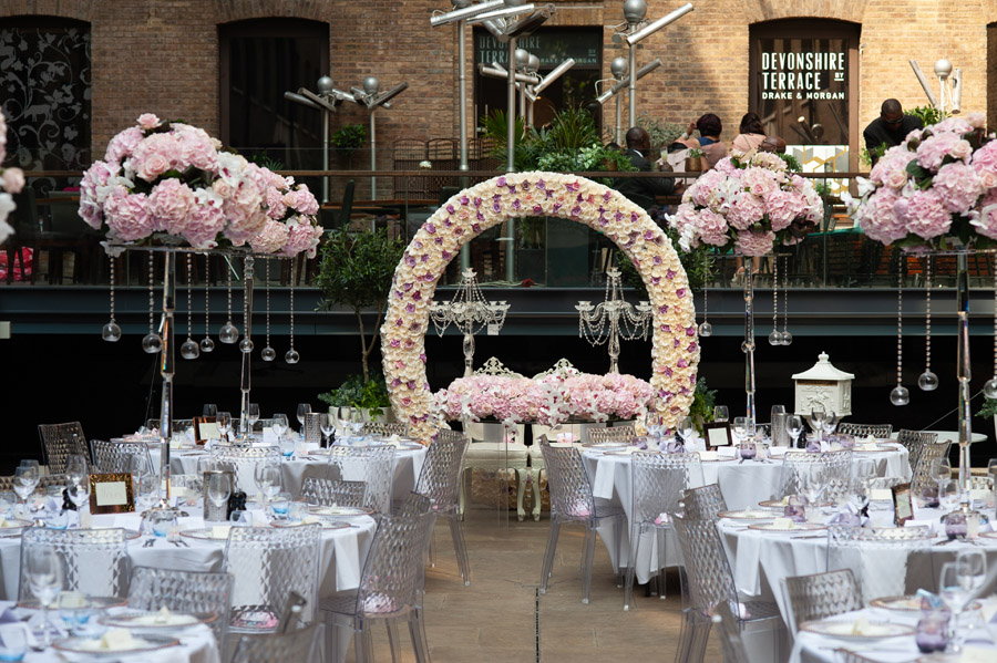 Chantel & Andrew's chic, modern and timeless wedding at Devonshire Terrace, with Carla Thomas Photography (23)