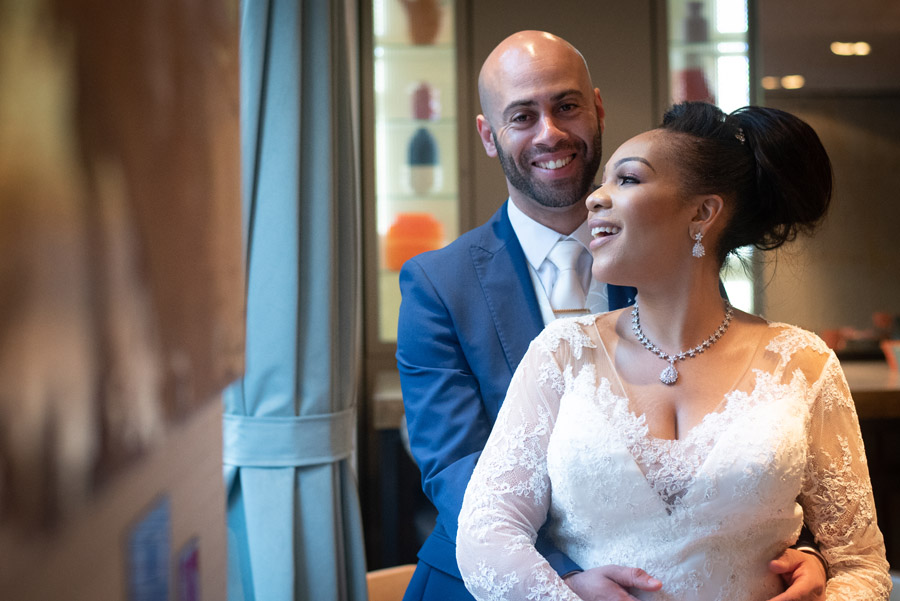 Chantel & Andrew's chic, modern and timeless wedding at Devonshire Terrace, with Carla Thomas Photography (36)