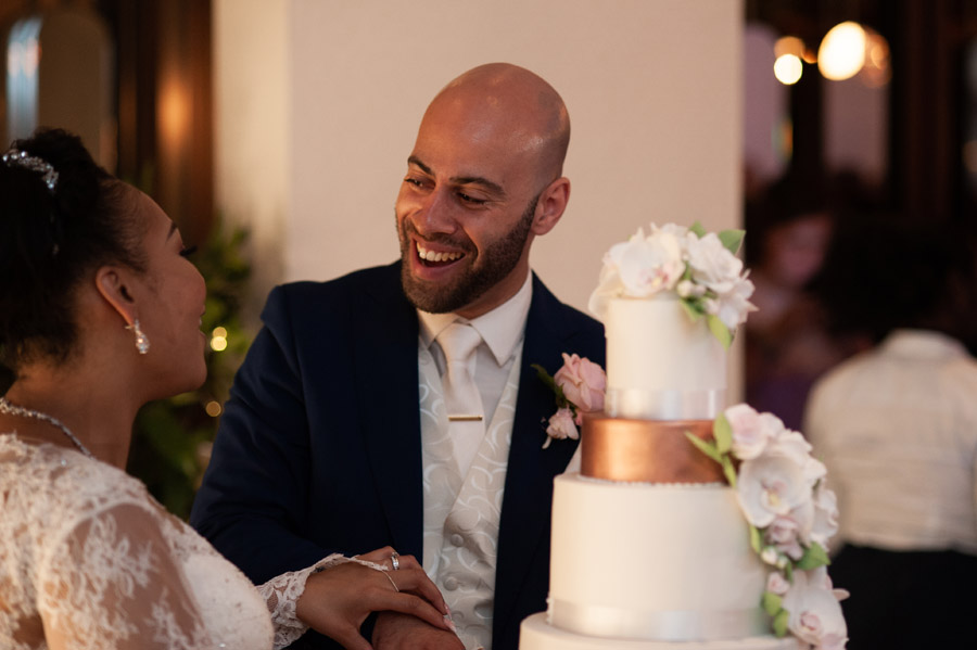 Chantel & Andrew's chic, modern and timeless wedding at Devonshire Terrace, with Carla Thomas Photography (40)