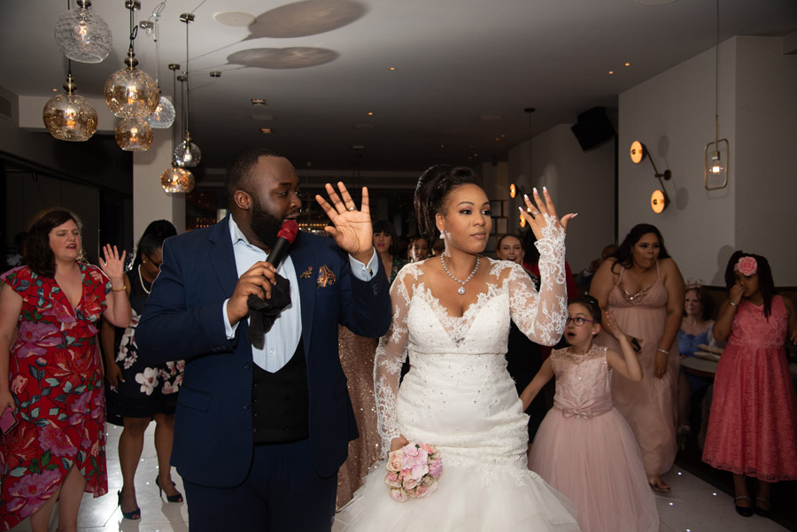 Chantel & Andrew's chic, modern and timeless wedding at Devonshire Terrace, with Carla Thomas Photography (42)