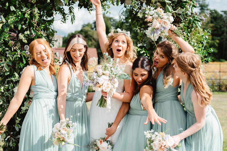 Group photos made easy, wedding photography tips for brides and grooms with Fiona Kelly Photography (12)