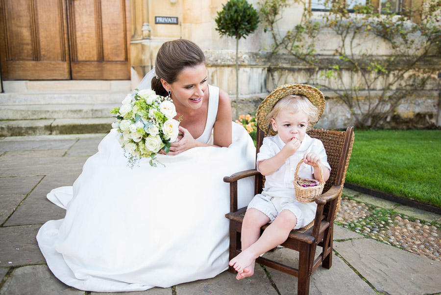 Group photos made easy, wedding photography tips for brides and grooms with Fiona Kelly Photography (14)