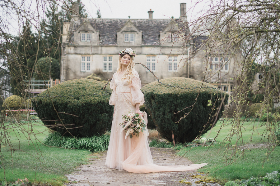 Candyfloss romance from the secret garden at Barnsley House, image credit Red Maple Photography (10)