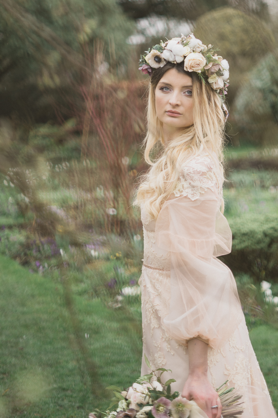 Candyfloss romance from the secret garden at Barnsley House, image credit Red Maple Photography (12)