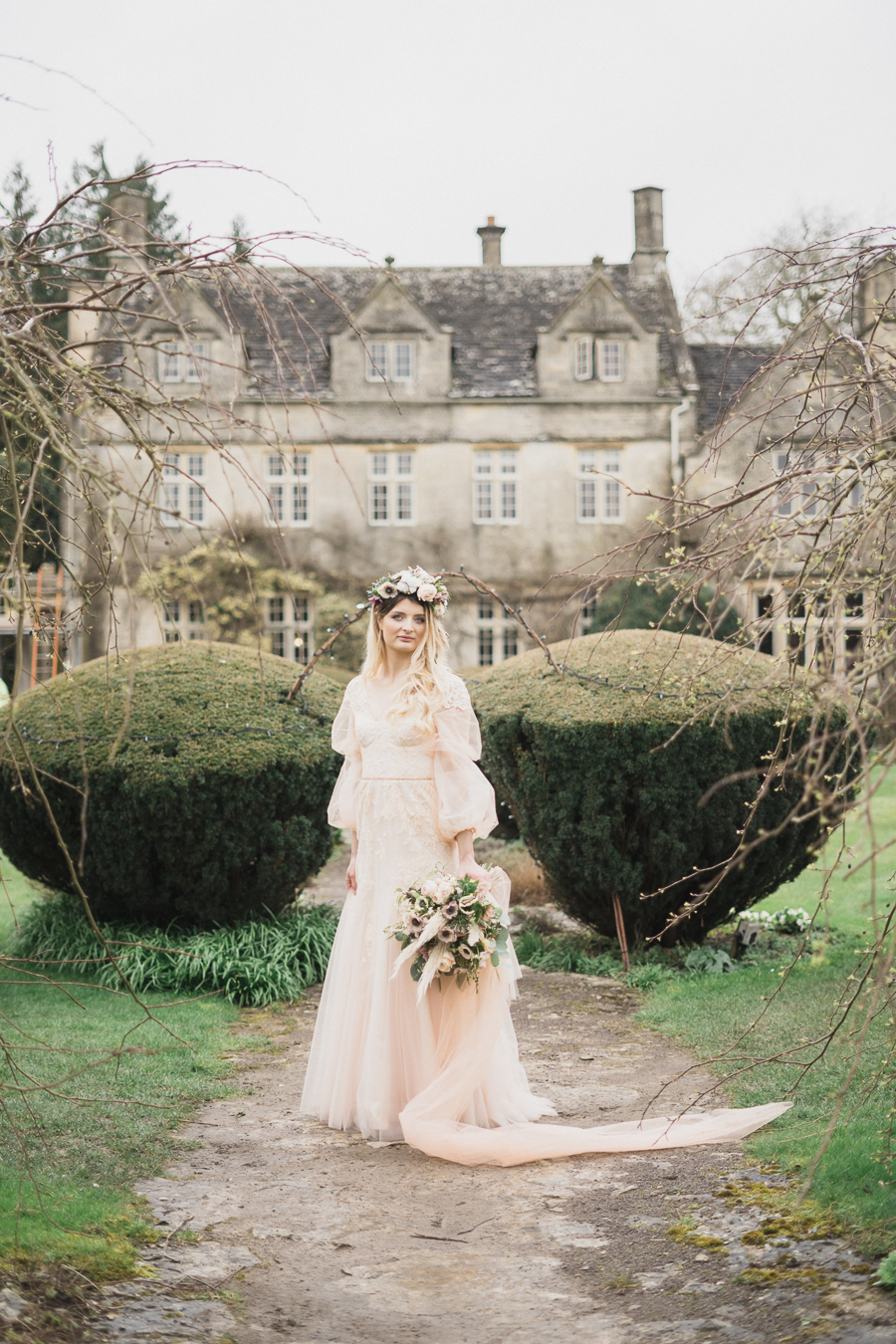 Candyfloss romance from the secret garden at Barnsley House, image credit Red Maple Photography (13)