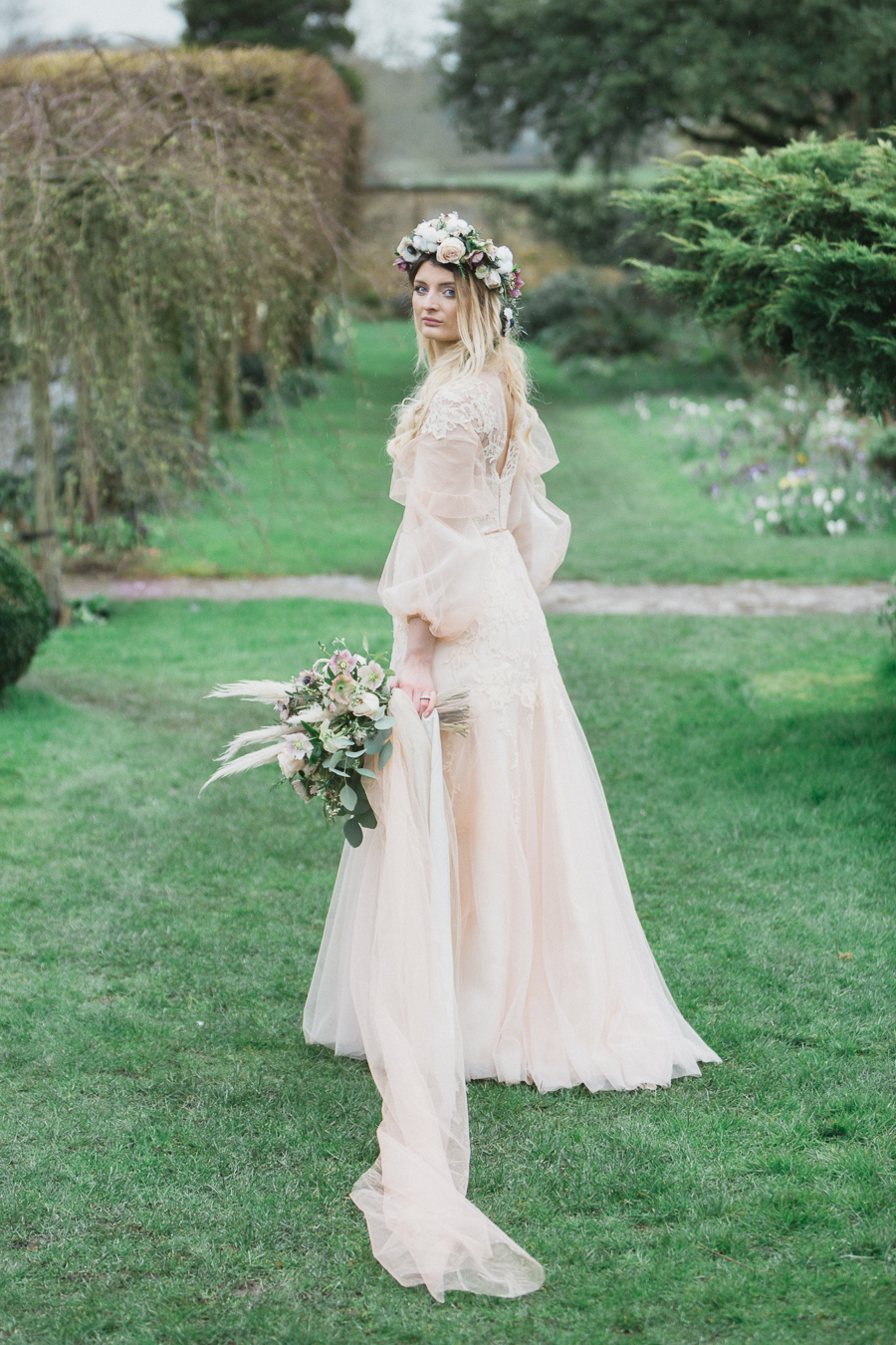 Candyfloss romance from the secret garden at Barnsley House, image credit Red Maple Photography (16)