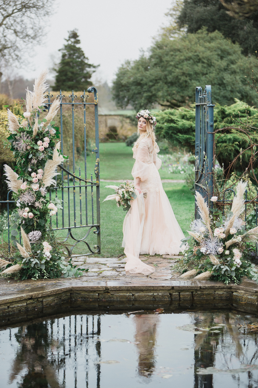 Candyfloss romance from the secret garden at Barnsley House, image credit Red Maple Photography (18)